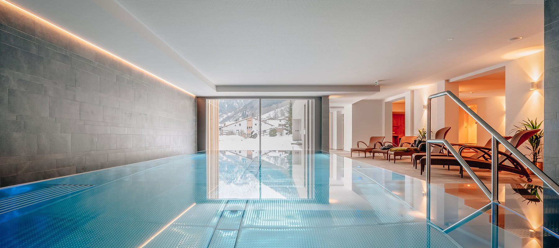 Indoor-Infinity-Pool